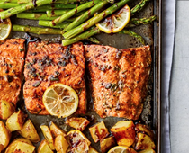 Roasted rosemary salmon with asparagus & potatoes