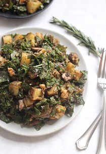 Rosemary roasted potato, mushroom, and lentil kale salad