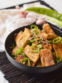 Salt and pepper tofu