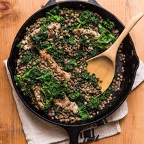 Sausage & kale with lentils