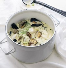 Seafood stew with cream and fennel