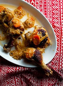 Senegalese grilled chicken in caramelized onion sauce (Yassa poulet)