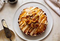 Sesame, date and banana cake (with tahini cream cheese frosting and caramelized bananas)