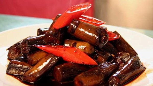 Shanghai-style stir-fried eggplant