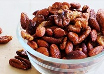 Slow cooker cinnamon & honey nuts