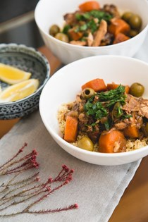 Slow cooker Moroccan chicken & olive tagine