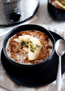 Slow cooker spiced oatmeal