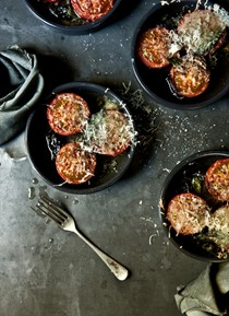 Slow-roasted tomatoes with Manchego