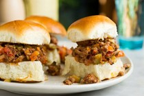 Smoky beef and vegetable sliders