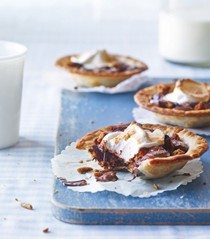 S'more pies