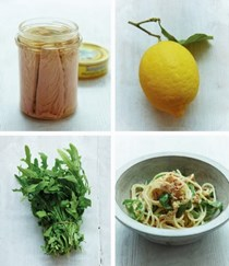Spaghetti with tuna, lemon & rocket