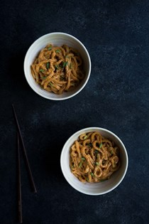 Spicy cashew butter udon noodles