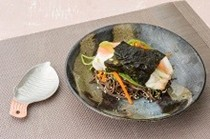 Steamed bar rockcod in nori with soba noodles