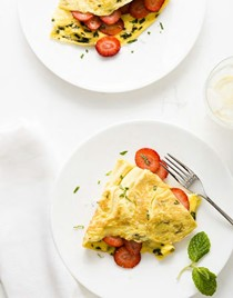 Strawberry-mint omelet