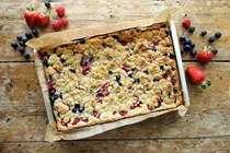 Summer berry crumble bars