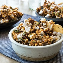 Sweet-spicy-salty snack mix