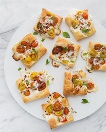 Tiny party pizza tarts