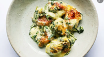 Tortellini with spinach sauce