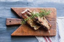 Tuscan grilled pork ribs (Rosticciana)