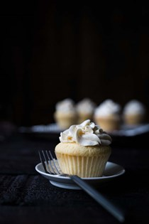 Vanilla maple whiskey cupcakes