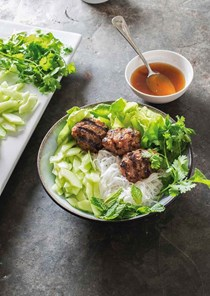 Vietnamese grilled pork patties with rice noodles (Bun cha)