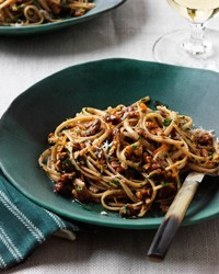 Whole wheat linguine with walnuts, orange and chile