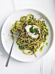 Wholewheat spaghetti with cavolo nero pesto and goat's curd