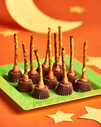 Witches' broomsticks Halloween pretzel treats