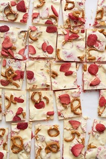 Yogurt pretzel bark