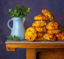 Za'atar and halloumi scones